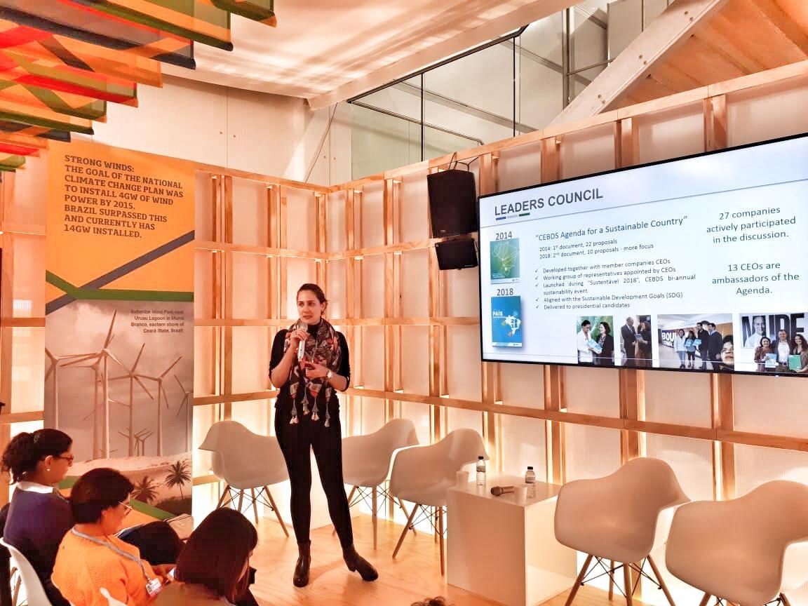 Laura Albuquerque, do CEBDS, apresenta os resultados do trabalho na COP24, na Polônia. Foto Divulgação