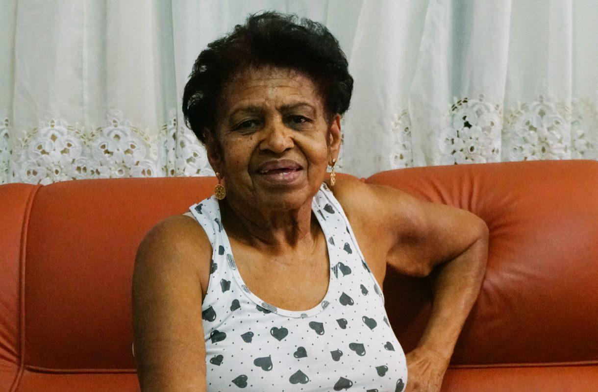 Petronilha Santos, 76 anos, merendeira aposentada (Foto: Juliana Nascimento)
