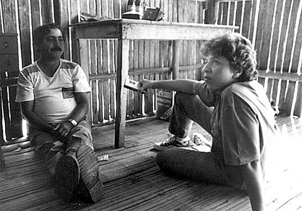 Mary Allegretti e Chico Mendes, em Xapuri. Foto Arquivo pessoal.