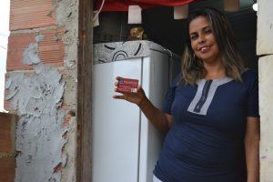 Adriana Barcelos reformou o quarto com Mumbuca. Foto de Jorge Andre/ Ecosol Marica