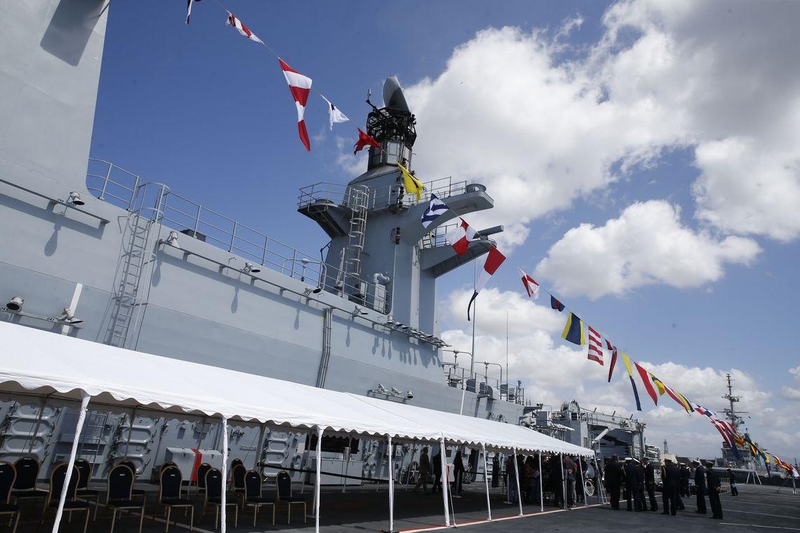 Fabricado na década de 90, o Porta-Helicópteros Atlântico foi comprado da Marinha inglesa por 84,6 milhões de libras (equivalentes a R$ 417 milhões). Foto Tânia Rêgo/Agência Brasil