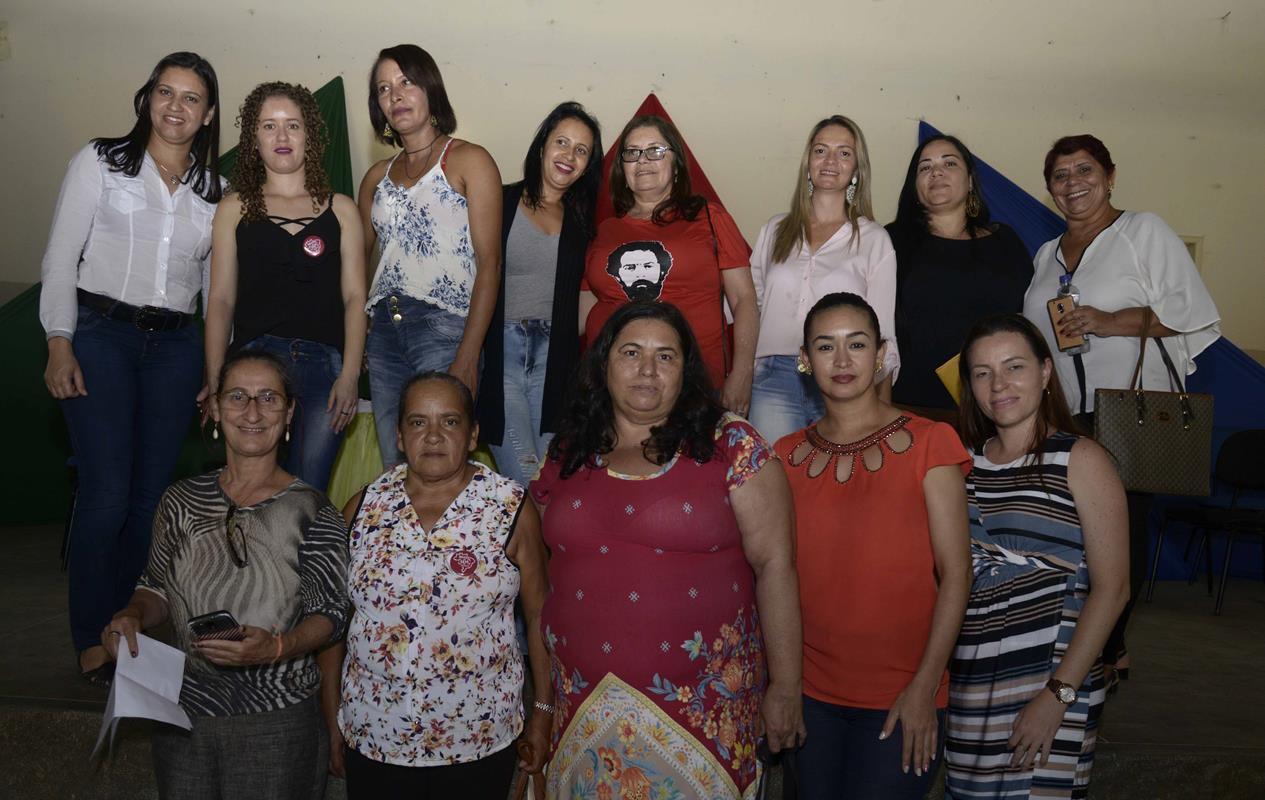 Grupo de mulheres participa da audiência pública realizada em junho em Bom jesus da Serra (Foto: Inácio Teixeira/Coperphoto)
