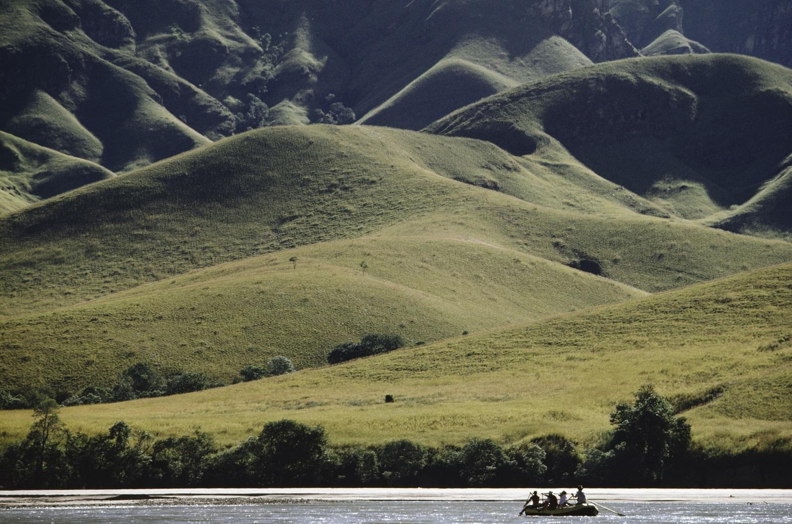 Rafiting no rio Mahajilo, uma das muitas atrações naturais da ilha. Foto Frans Lanting / Mint Images