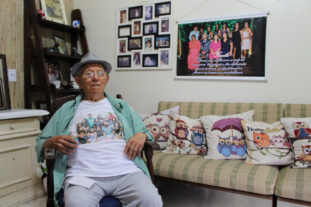 Morador da Rocinha, Pedro de Sousa, de 87 anos, não sabe ler nem escrever/ Foto Yuri Fernandes