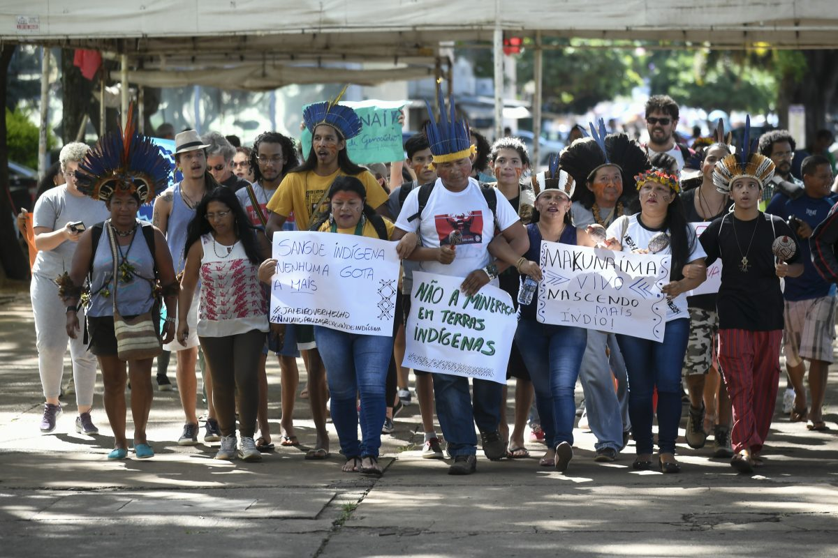 Manifestacao indigena em frente ao Ministerio da Agricultura. Foto de Mateus Bonomi/ Agif/ AFP