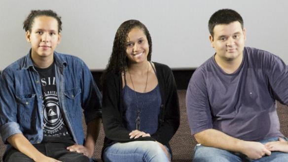 Gabriel, Talita e Jean Carlos fazem parte do programa Coletivo Jovem, que cria pontes entre jovens de 16 a 25 anos e o mercado de trabalho (Crédito: Simone Marinho)