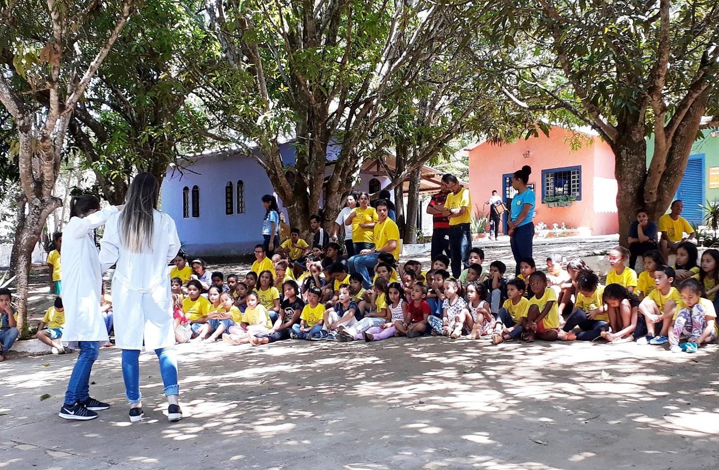 Escola tem formato de vila e salas coloridas para mostrar que as diferenças criam harmonia. Foto Divulgação