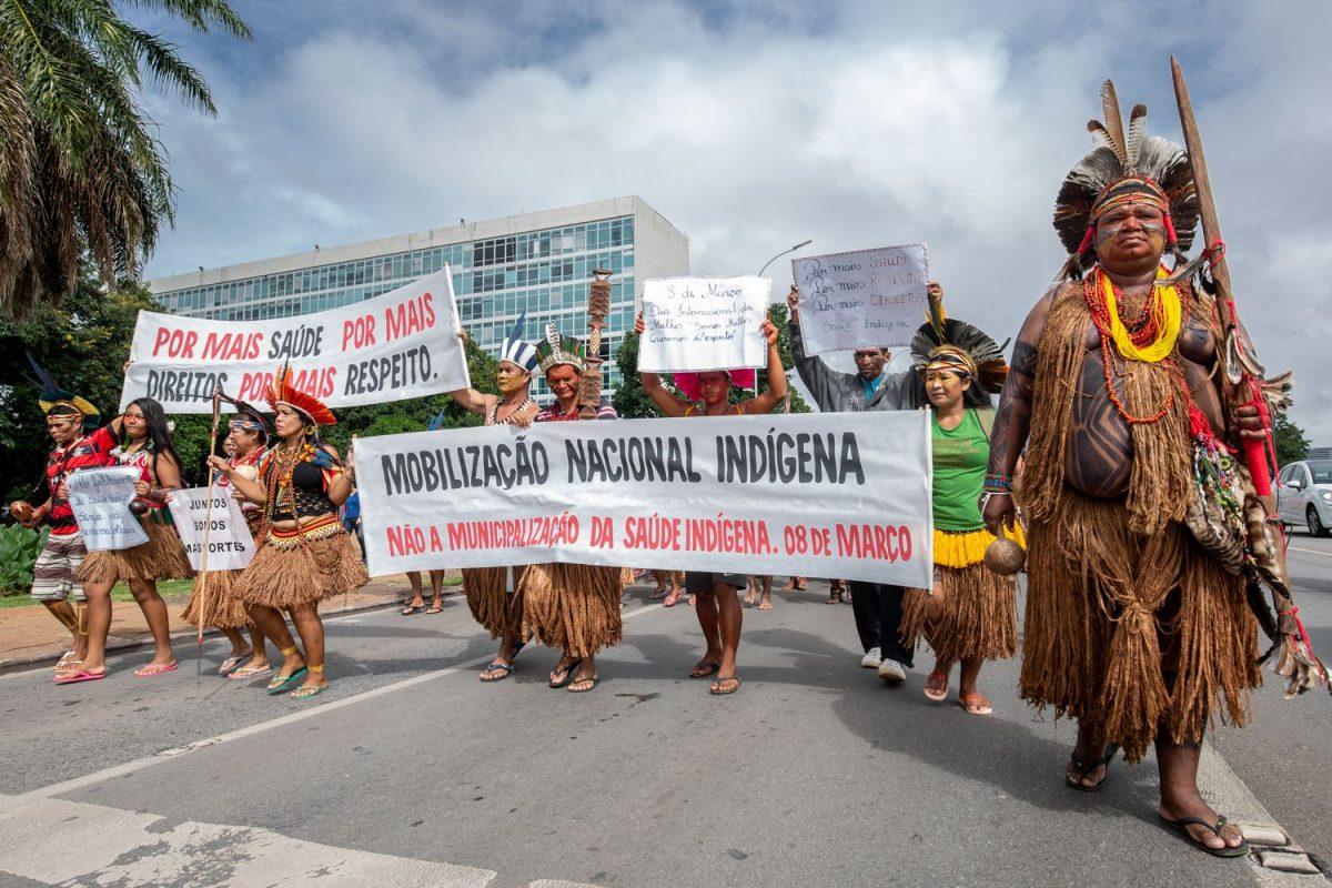 Manifestação contra municipalização da saúde indígena. Foto de Tiago Miotto/ CIMI