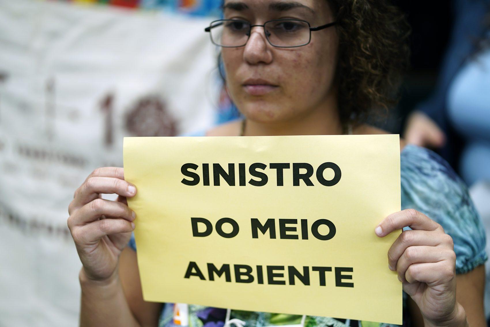 Ministro Ricardo Salles enfrenta com tranquilidade cinco horas de protesto e sabatina na Câmara: caneladas ambientais (Foto: Pablo Valadares)