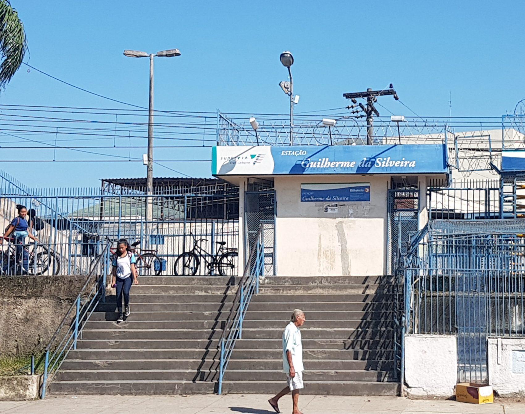Estação Guilherme da Silveira: batizada, como o estádio, com o nome do ex-presidente da Fábrica e do Banco do Brasil (Foto: Oscar Valporto)