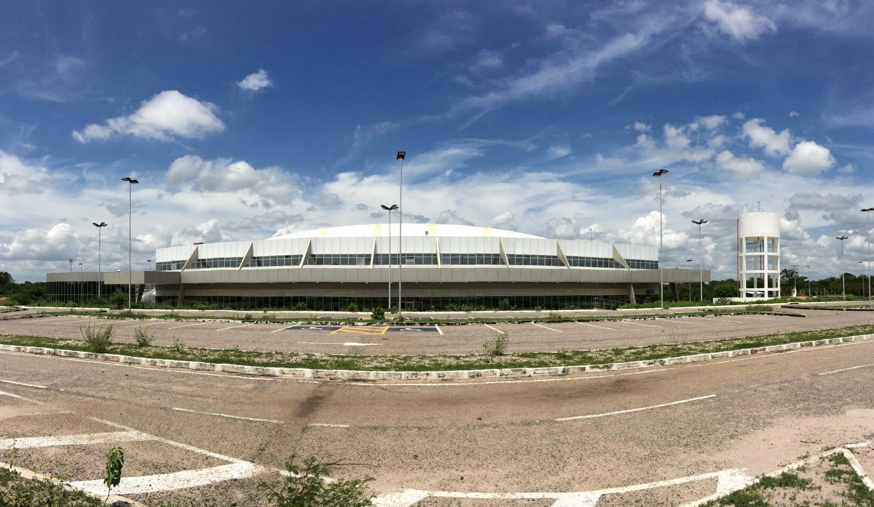 Aeroporto Serra da Capivara, obra de R$ 22 milhões até hoje sem voos comerciais: problemas de infraestrutura se estendem à rede hoteleira precária (Foto: Eduardo Carvalho)