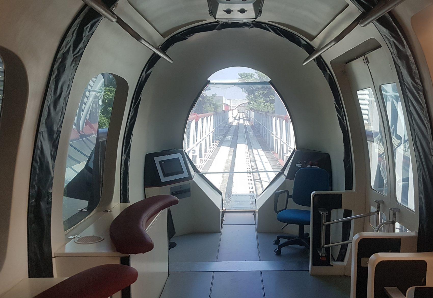 Trem de levitação magnética da UFRJ: silencioso e sem emissão de poluentes, já que é movido à energia elétrica (Foto: Oscar Valporto)