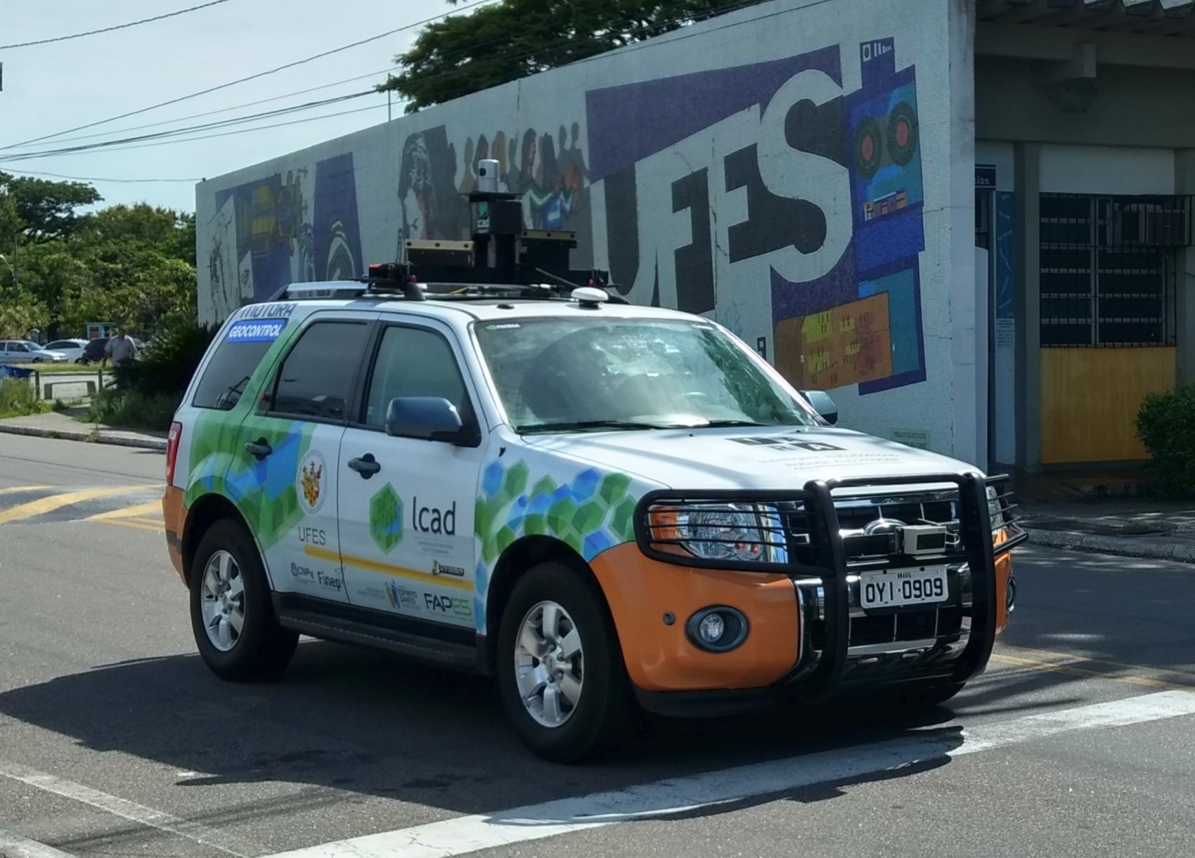 Iara circula no campus da Ufes: carro autônomo viajou 74 quilômetros entre Vitória e Guarapari a uma velocidade média de 45 km/h (Foto: Divulgação)