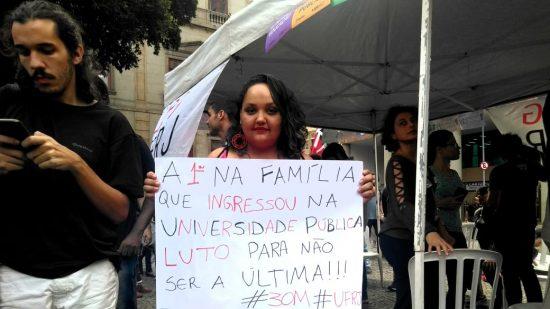Luana Batista, doutoranda em Antropologia Social no Museu Nacional: projeto junto a trabalhadores rurais (Foto: Barbara Lopes)