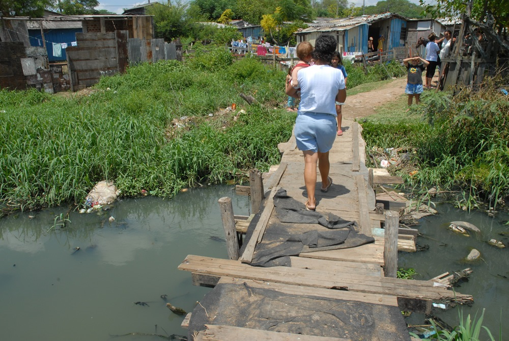 De 2010 a 2017, o Brasil gastou mais de R$ 1,1 bilhão em internações com doenças provocadas pela falta de saneamento. Numa média aproximada de R$ 140 milhões por ano. Foto Trata Brasil