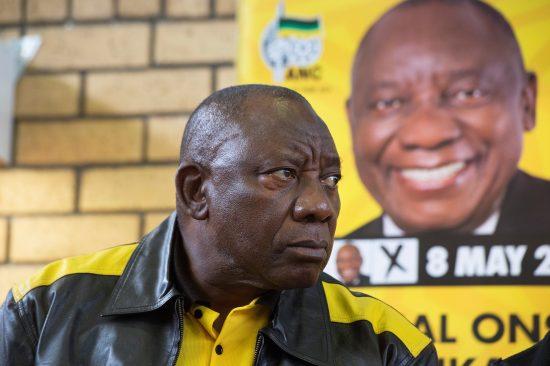 O presidente reeleito da África do Sul, Cyril Ramaphosa, também presidente do Congresso Nacional Africano, no poder há 25 anos: paciência para vencer a corrupção (Foto Rodger Bosch/AFP)