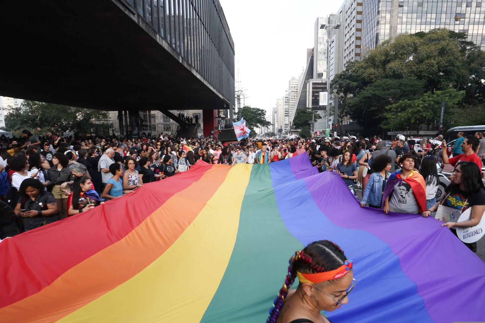Parada do Orgulho Gay em São Paulo: CEBDS lança Guia de CEOs para os direitos humanos com alertas sobre inclusão e diversidade (Foto: Fabio Vieira/FotoRua/NurPhoto)