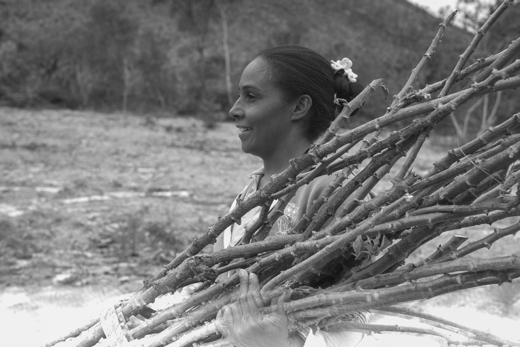 As apanhadoras de flores da região e suas famílias formam comunidades responsáveis pela preservação e conservação de um importante bioma brasileiro. Foto João Roberto Ripper