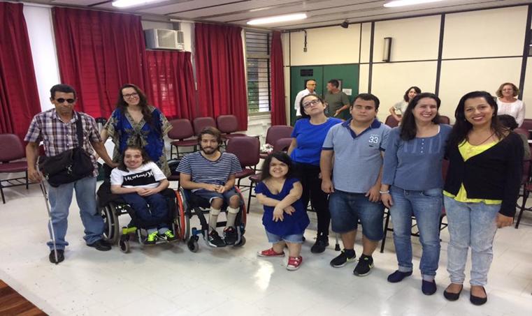 Alunos do curso de mestrado da UFF em inclusão e diversidade: 45 dissertações defendidas por pessoas com deficiência (Foto: Arquivo Pessoal)