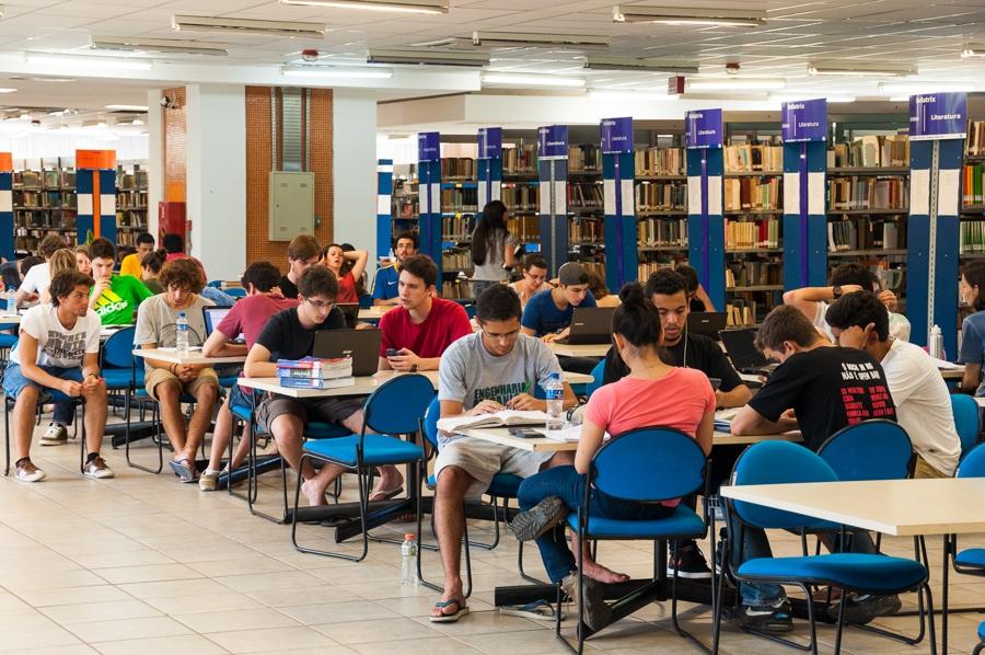 A Federal de Santa Catarina tem quase cinquenta mil estudantes. Foto Henrique Almeida/Divulgação
