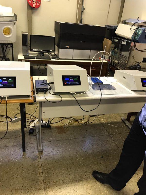 Vaquinha entre a equipe ajuda a manter equipamentos do laboratório. Foto André Giusti
