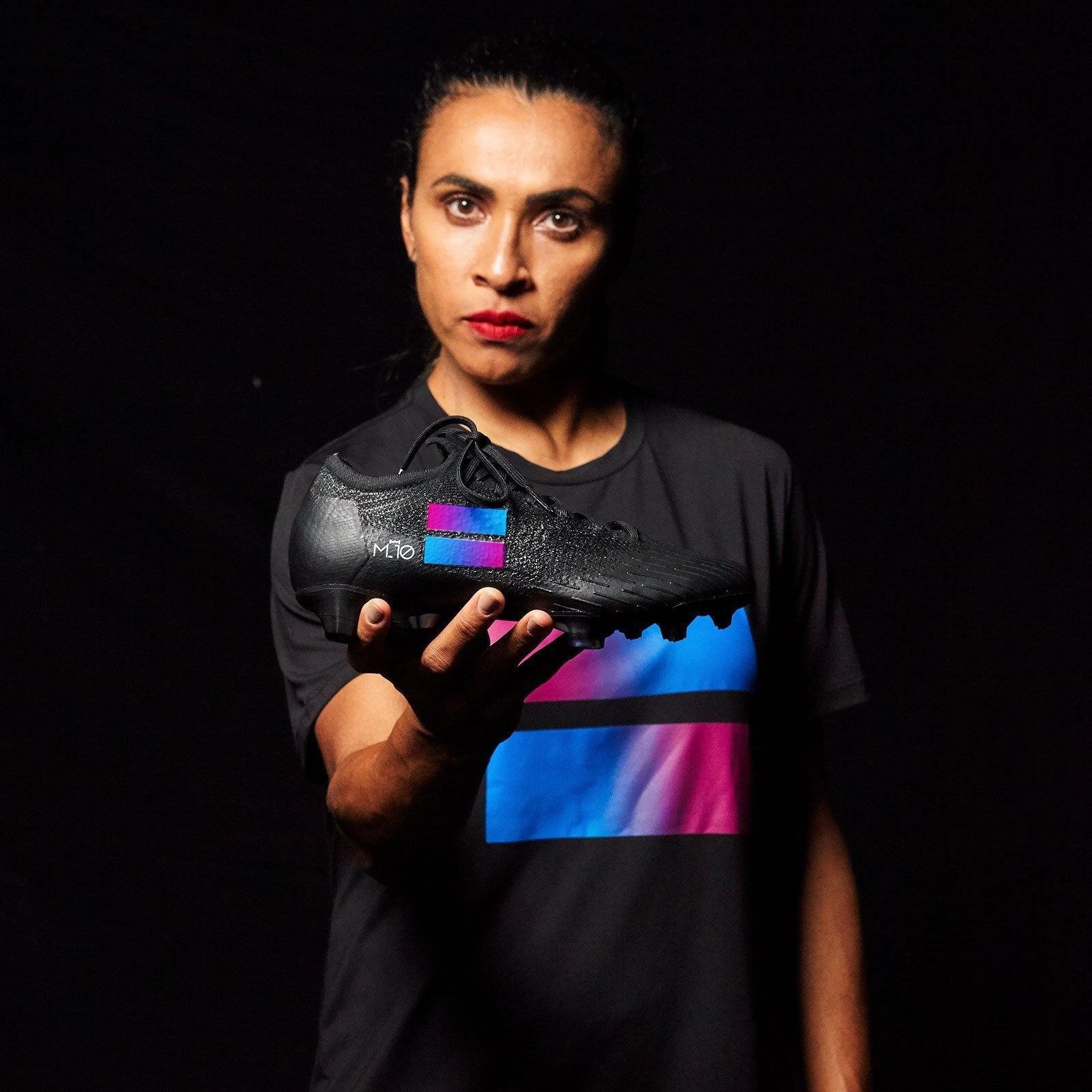 Marta na campanha por equidade de gênero