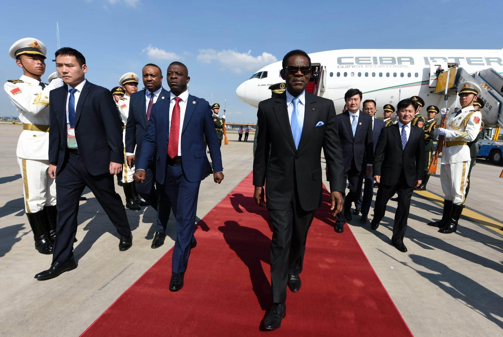 Teodoro Obiang Nguema Mbasogo em visita a Beijing no ano passado: presidente da Guiné Equatorial completa, em agosto, quatro décadas de poder, após derrubar com um golpe o próprio tio, e tem recorde mundial de permanência no cargo,(Foto: Xinhua/Wang Jianwei)