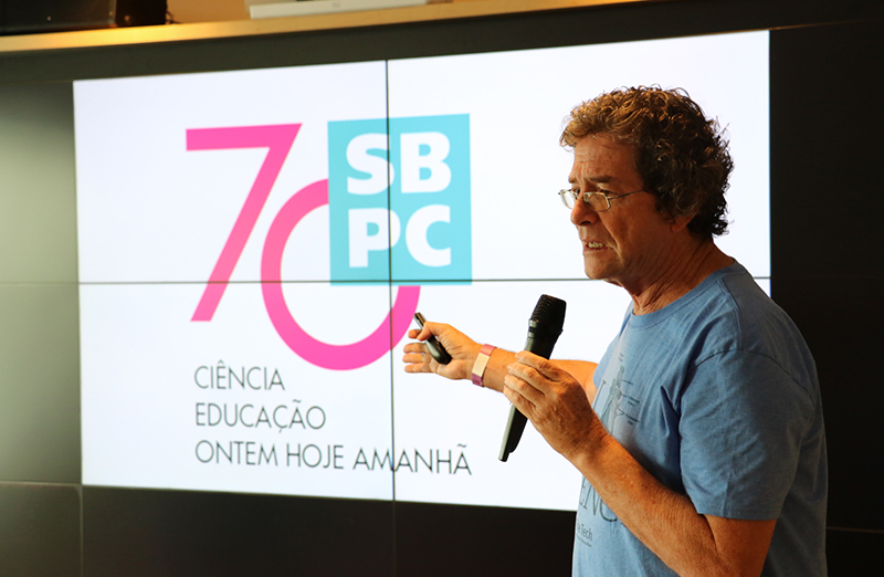 O físico Ildeu Castro Moreira durante o congresso da SBPC no ano passado: 'Em termos de cortes, é o momento mais difícil para a ciência' (Foto: SBPC?Divulgação)