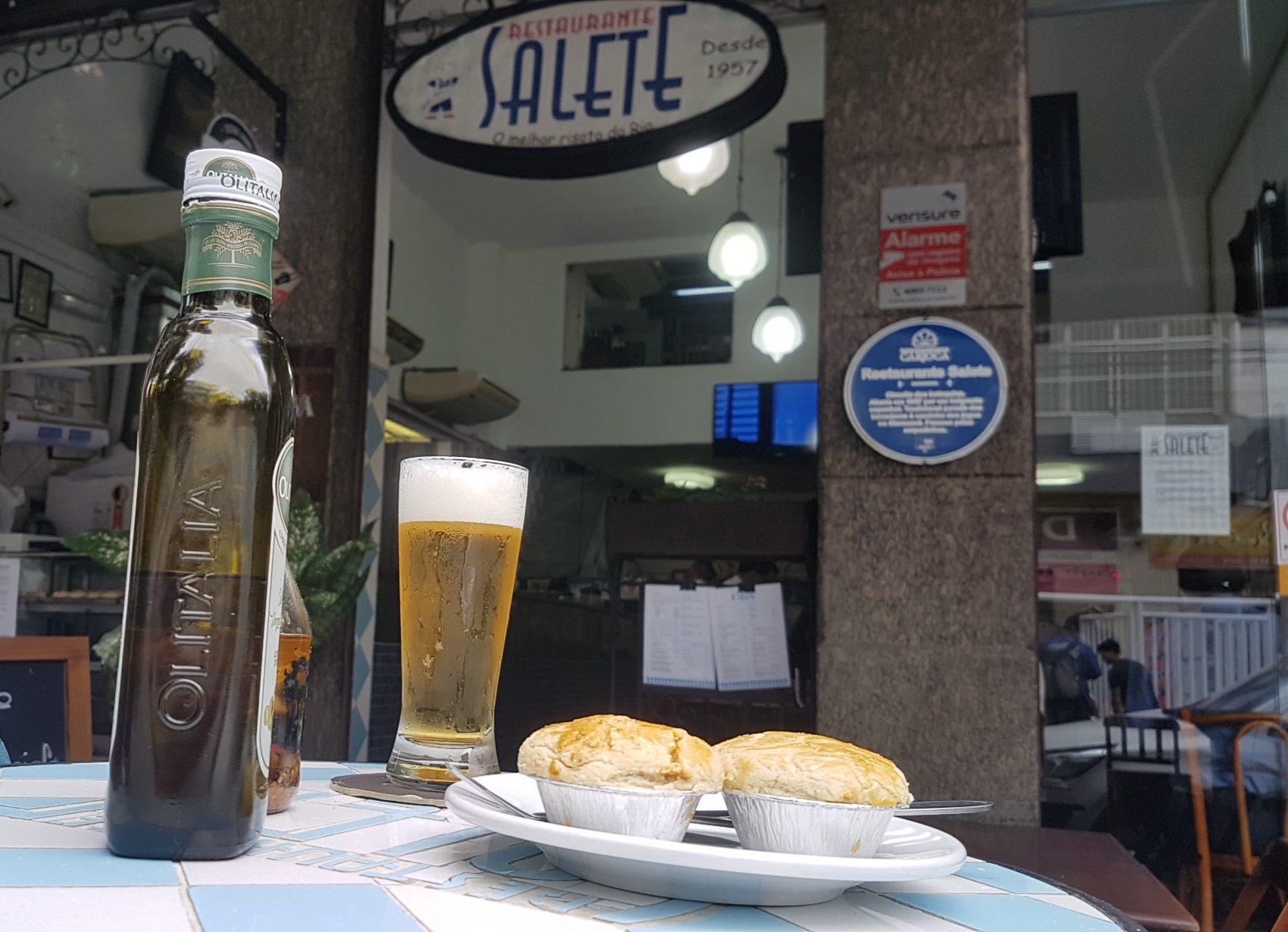 Empadas do Salete: atração gastronômica tijucana como os bolinhos do Momo e os pastéis do Bar Madrid (Foto: Oscar Valporto)