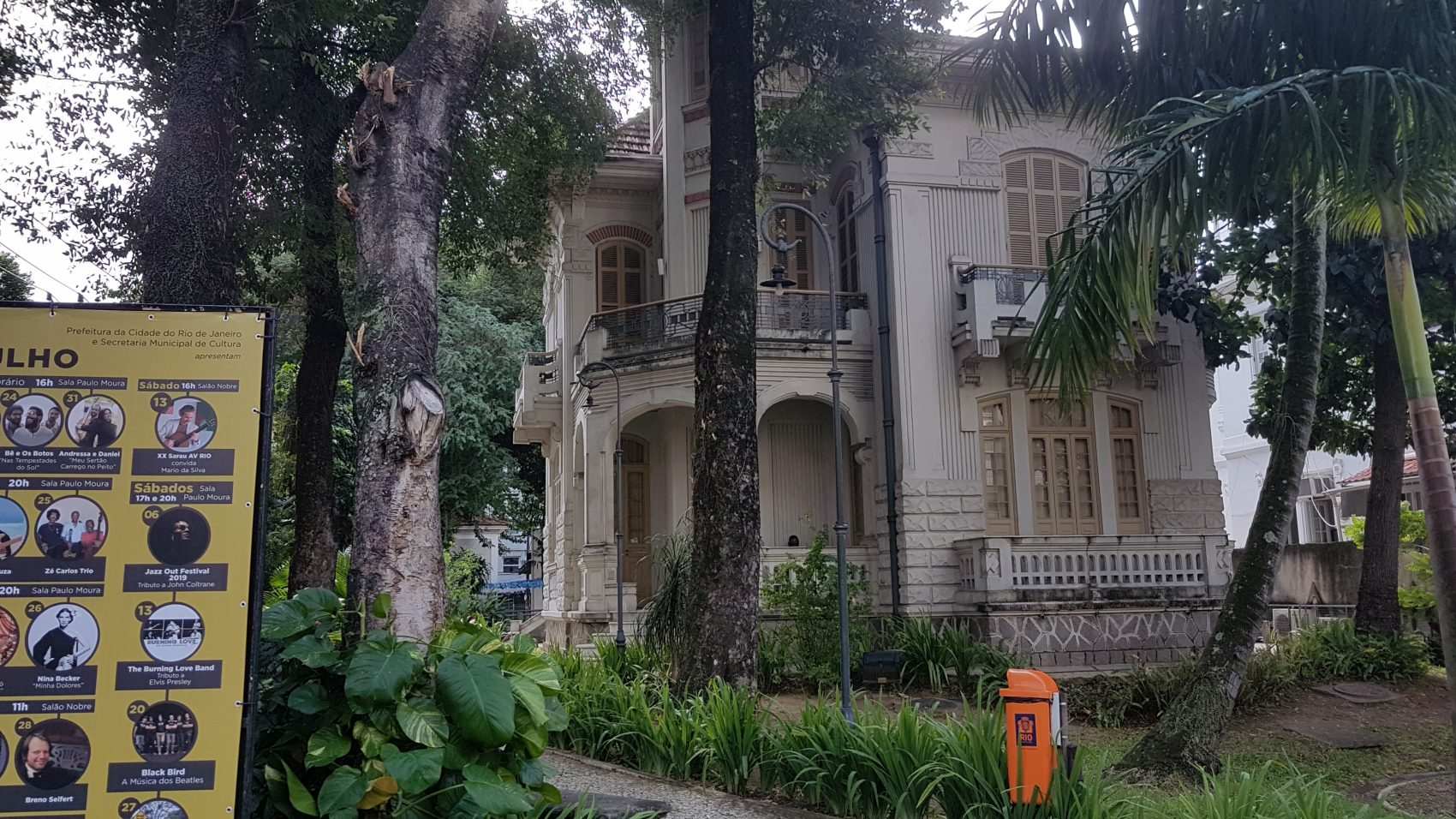 Palacete Garibaldi, casarão de 1921, onde funciona o Centro de Música Carioca Artur da Távola: exposição sobre os 260 anos da Tijuca (Foto: Oscar Valporto)