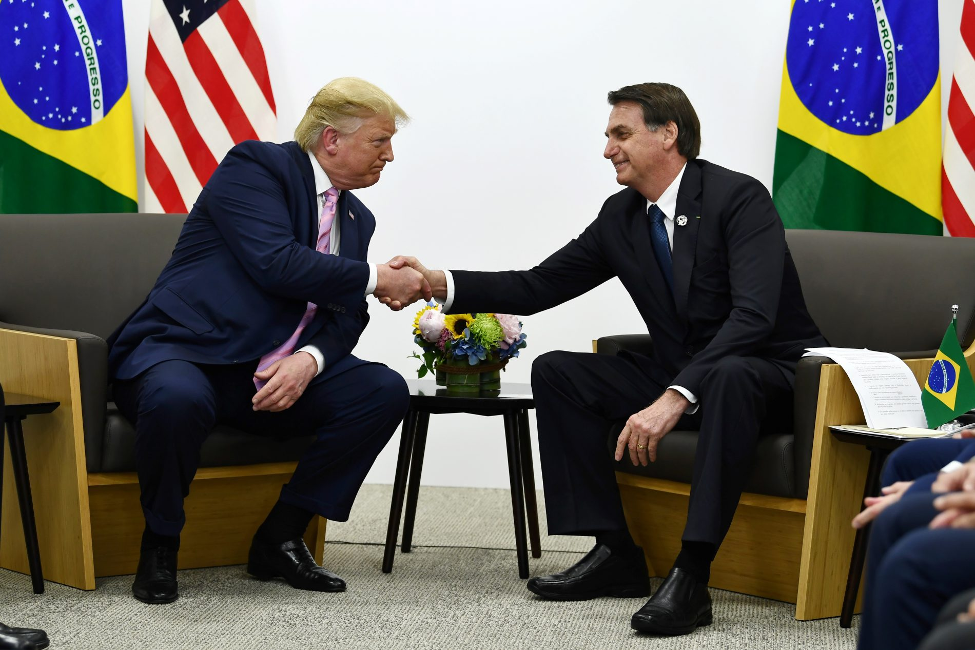 Bolsonaro e Trump no G-20. Foto de Brendan Smialowski/ AFP