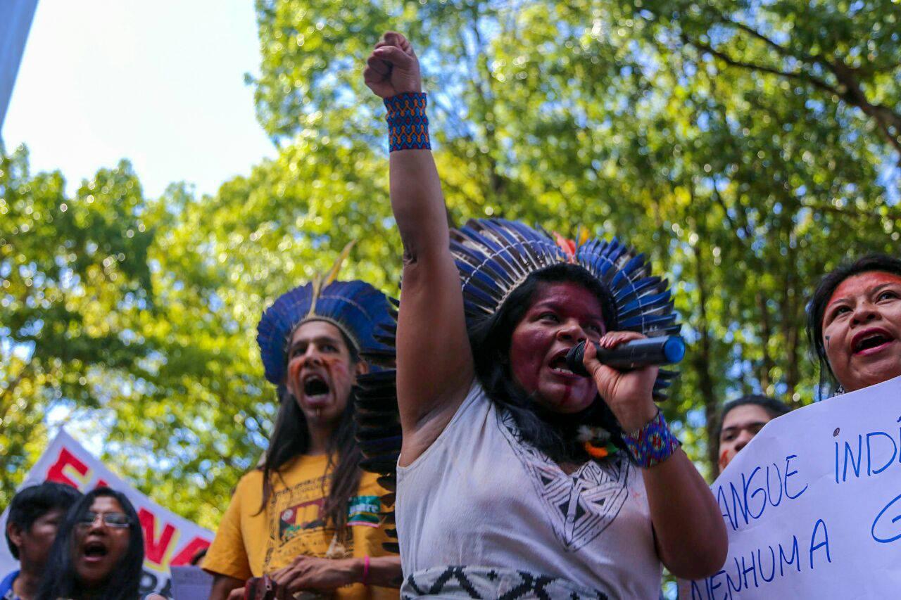 janeiro vermelho e protesto indígena. Foto de Scarlett Rocha/ Mídia Ninja