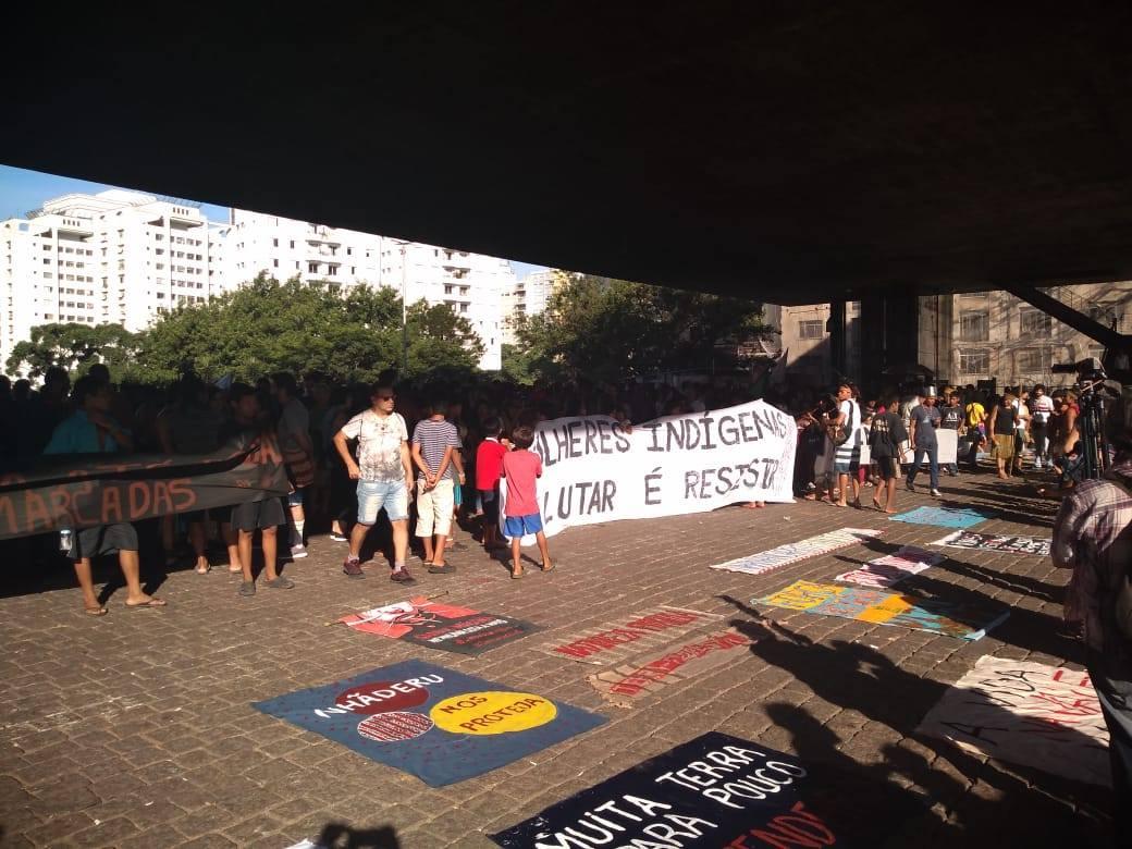 Protesto indígena no Masp. Foto de RAFAEL PARENTE SÁ MARTINS CIMI SUL