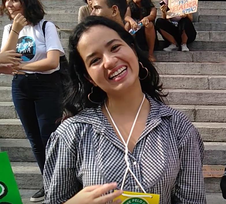 A brasileira Milena Batista: mensagem de Greta dá um gás para organização da greve pelo clima de 20 de setembro (Reprodução)