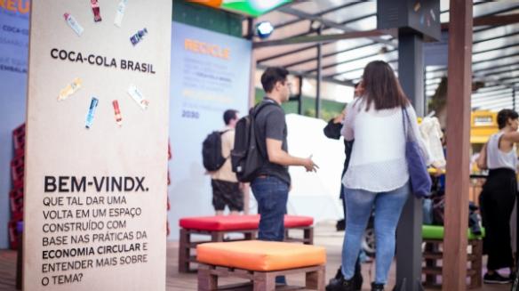 André Carvalhal, professor de moda, foi o convidado da Coca-Cola Brasil para conversar sobre consumo consciente na segunda edição do festival Picnic Brasil (Foto: Zô Guimarães)