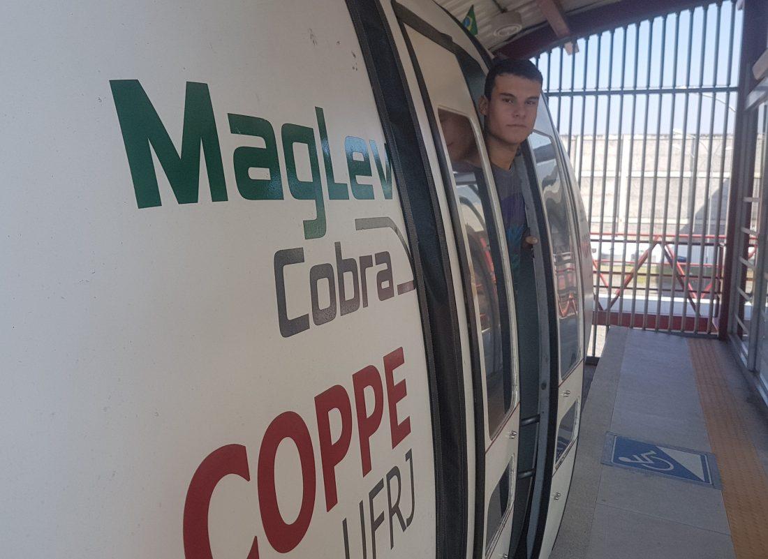 Trem de levitação magnética: projeto desenvolvido na Coppe/UFRJ: à espera de parceria para ganhar escala industrial (Foto: Oscar Valporto)