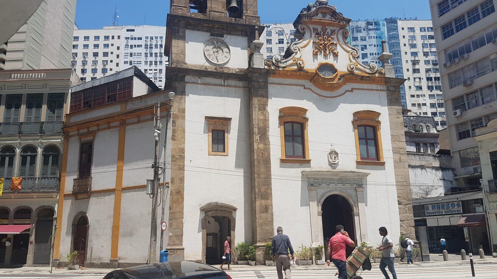 Igreja de Santa Rita, de meados do século XVIII: estilo barroco da edificação mais antiga da avenida (Foto: Oscar Valporto)