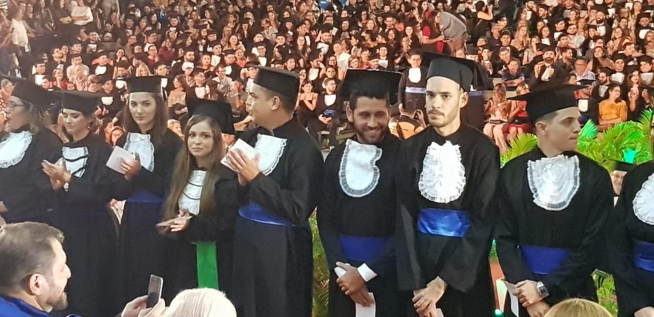 A primeira turma de alunos formados no curso de graduação em Economia Ecológica da UFC. Foto Divulgação