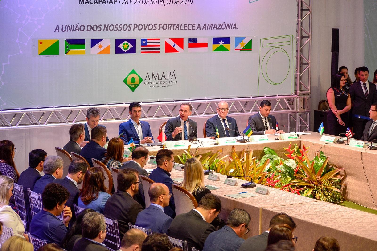 Governadores da Amazônia Legal reunidos em Macapá durante o 17º Fórum de Governadores da região, que aconteceu em março. Foto Divulgação