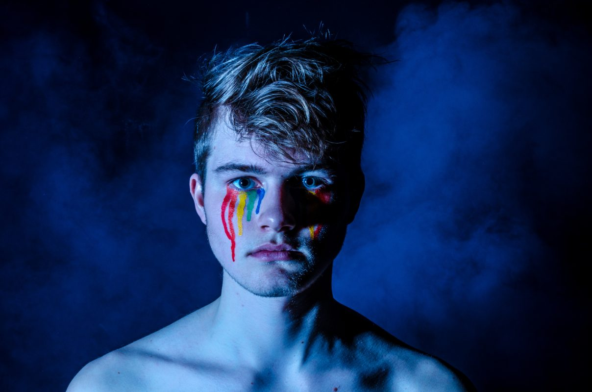 Sou homofóbico? Quais as causas da homofobia? Especialistas respondem