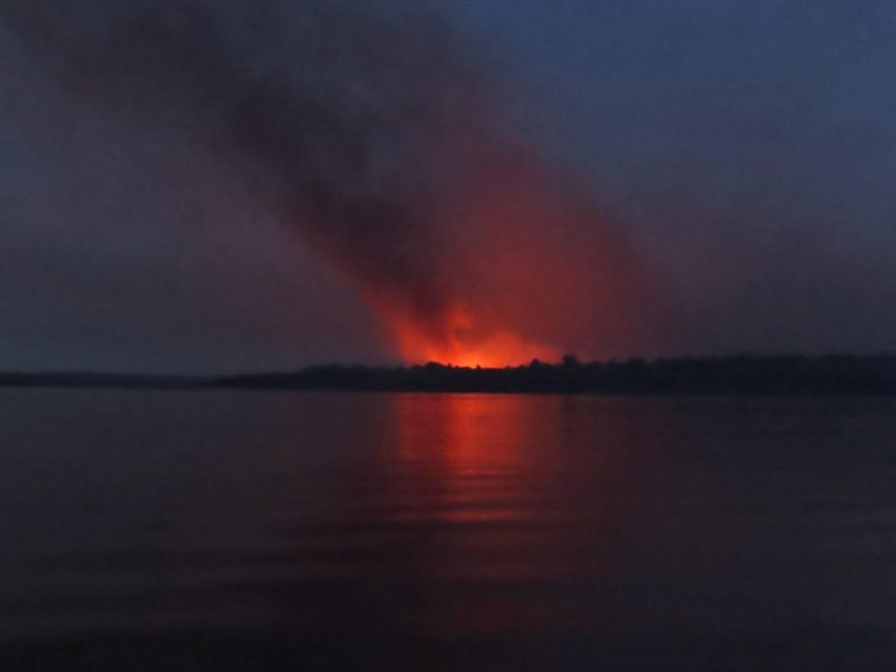 O incêndio acontece em um momento em que Alter do Chão passa por uma fase especial, com um movimento crescente de turistas. Foto Emi Okada Pereira