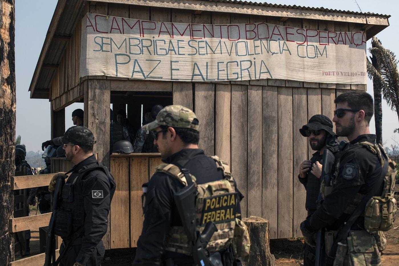 Operação para reintegração de posse do Acampamento Boa Esperança, localizado dentro da Floresta Nacional do Bom Futuro, em Porti Velho, Rondônia. Foto Marizilda Cruppe