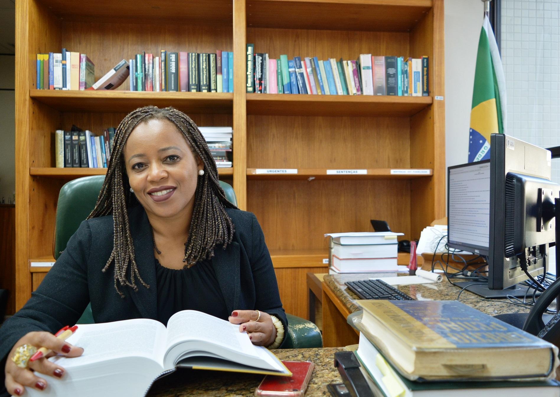 """Adriana Cruz, da 5ª Vara Federal Criminal do Rio de Janeiro: """"A quantidade de mulheres negras em todos os 93 tribunais do Brasil não chega a cem. Foto Divulgação"""