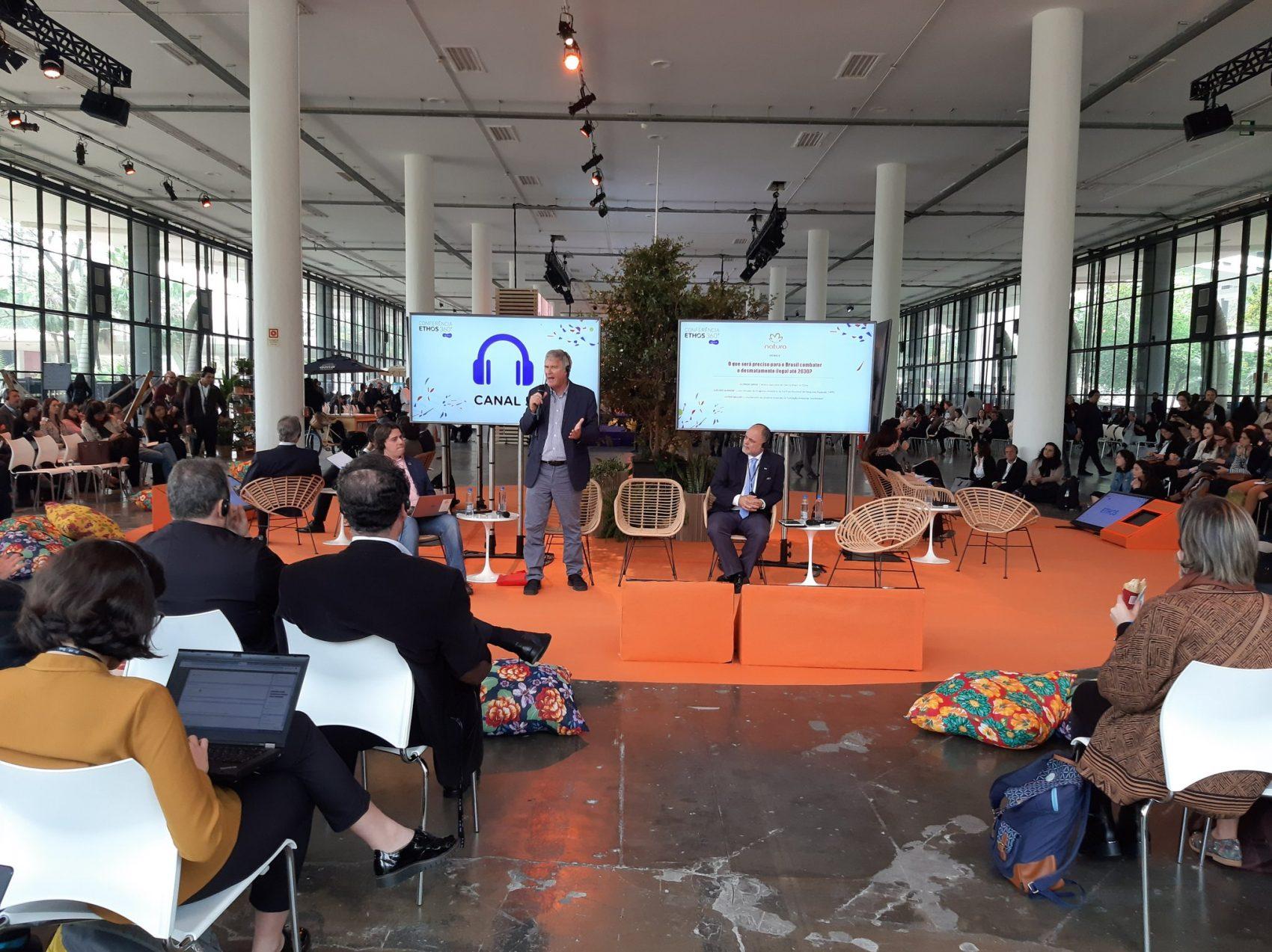 Almeida, Sirkis e Salviati no painel sobre desmatamento na Conferência Ethos 360 no Ibirapuera: 60 debates sobre temas sustentáveis (Foto: Divulgação)
