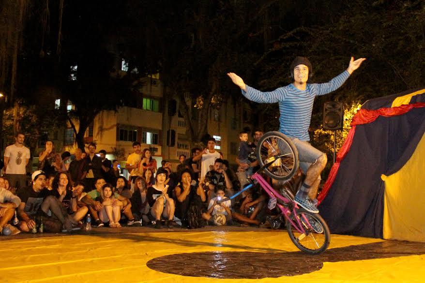 Encontro Semanal de Malabares e Circo: atração de todas as segundas-feiras na Praça São Salvador (Foto: Coletivo Bravos/Divulgação)