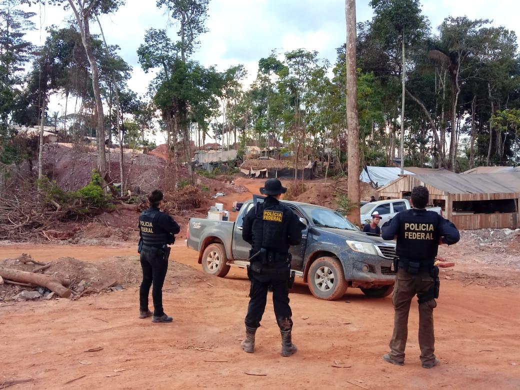 Na madrugada de segunda-feira cerca de 160 policiais da Polícia Federal, com apoio da PM e do Ibama, cumpriram a ordem judicial de desintrusão da área. Foto Polícia Federal