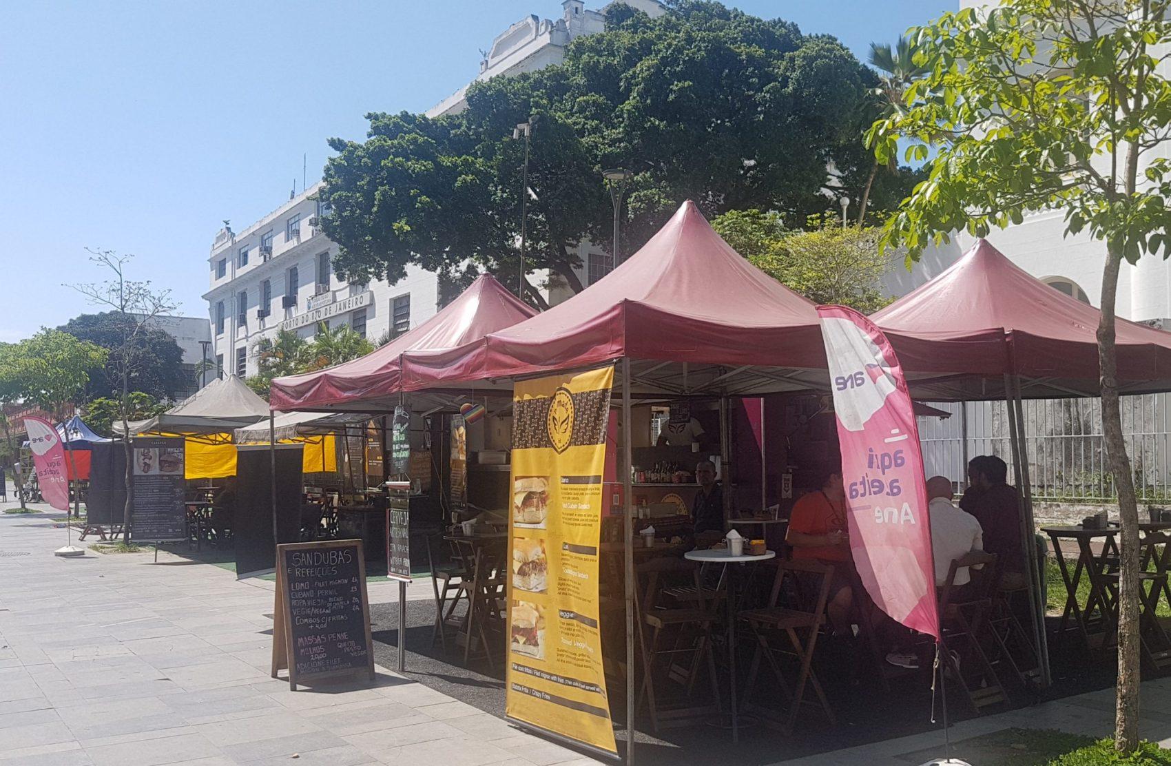 Food Trucks, sanduíches e cerveja: atrações extras na Orla Conde (Foto: Oscar Valporto)