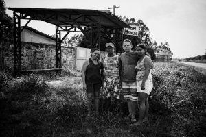 aria das Graças dos Anjos, Adevaldo Brandão, Valdenice dos Anjos e Lúcio Negrão: sem indenização. Foto de Cícero Pedrosa Neto (Amazônia Real)