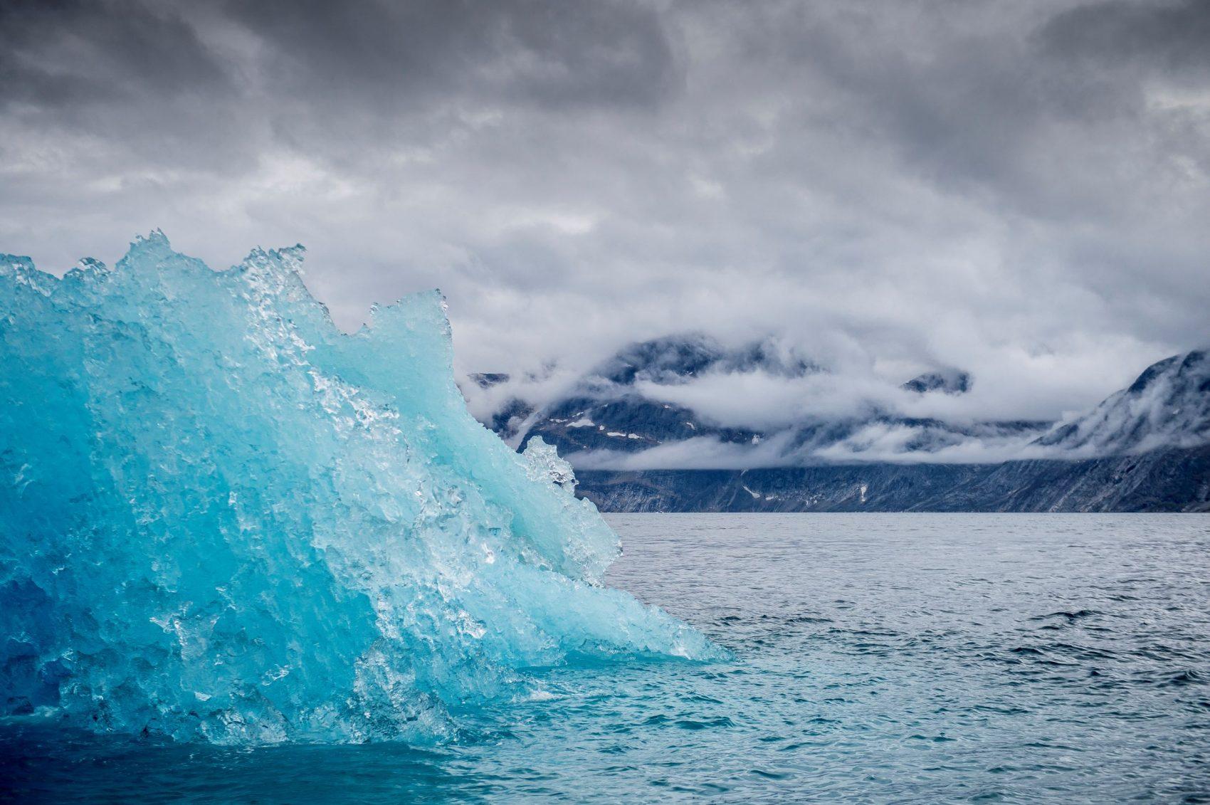 Bloco de gelo derrete na Groenlândia durante verão no Hemisfério: relatório aponta década como a mais quente já registrada (Foto: Mads Claus Rasmussen/Ritzau Scanpix/AFP)