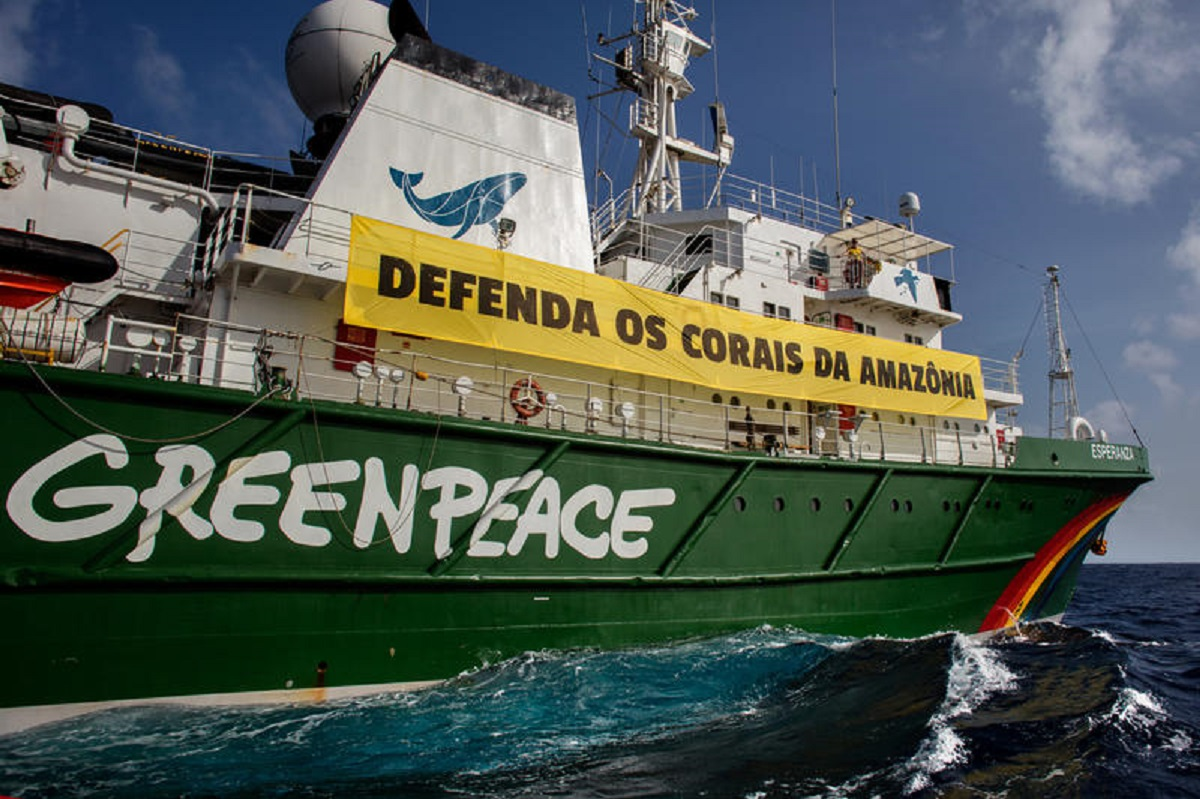 O navio Esperanza do Greenpeace, usado durante expedições científicas na Amazônia. Foto Marizilda Cruppe/Greenpeace